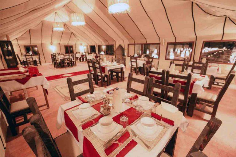 salón-comedor de carpa
